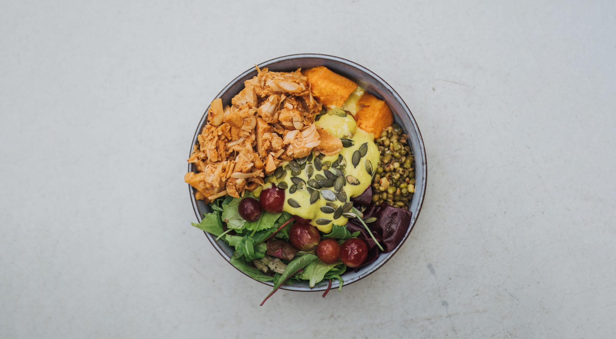 nude food vegan essen restaurant augsburg bowl salat gesund lecker bestellen liefern